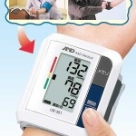 手首式デジタル自動血圧計 2台セットがお買い得!